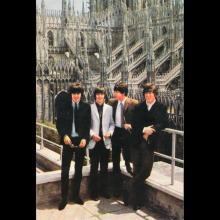 1964 THE BEATLES PHOTO - POSTCARD ITALY - I BEATLES A MILANO 2001 - 15X10 - pic 1