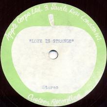 1972uk -Love Is Strange ⁄ I Am Your Singer - pic 1