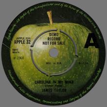 1970 11 06 - JAMES TAYLOR - CAROLINA IN MY MIND ⁄ SOMETHING'S WRONG - UK - APPLE 32 - PROMO  - pic 1
