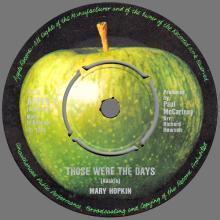 MARY HOPKIN - 1968 08 31 - THOSE WERE THE DAYS ⁄ TURN, TURN, TURN - APPLE 2 - DENMARK - PINK SLEEVE - pic 1