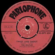 THE BEATLES FINLAND - 003 - 45-DPY 654 - TWIST AND SHOUT ⁄ BOYS - pic 1