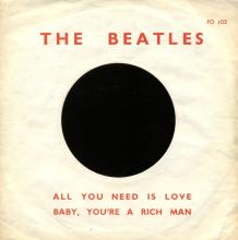 THE BEATLES FRANCE 45 - 1967 07 13 - SLEEVE 8 - FO 103 - ALL YOU NEED IS LOVE ⁄ BABY YOU'RE A RICH MAN - pic 1